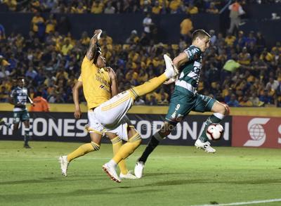 Santos enfrenta un complicado pase a la final de Concachampions