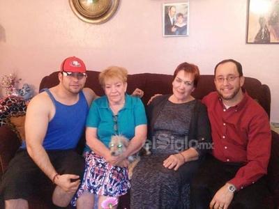 Irvin, Gloria, Bertha y Manuel.