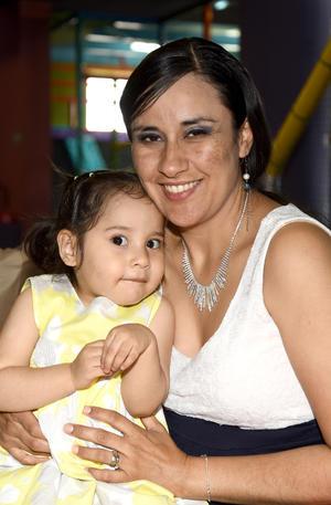 04042019 Rocío y Edith.