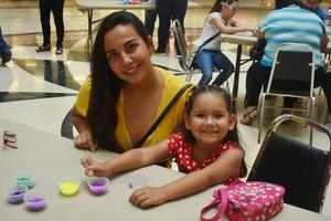 04042019 Mayela y Sara.