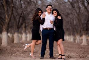 05042019 EN FAMILIA.  Francisca Leija Rodríguez, Edgar Arturo Torres Leija y Jeny Alejandra Torres Leija.