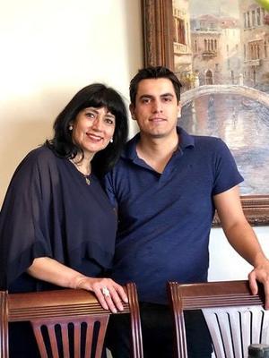 05042019 FESTEJA SU CUMPLEAñOS.  Irma Gallardo con su hijo, Julio Betancourt.