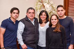 05042019 EN FESTEJO.  Familia Prado González.