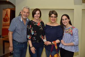 05042019 EN EL TEATRO.  Ernesto, Tony, Susana y Susy.