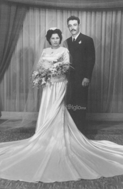 Recuerdo de nuestros padres, Sr. Jesús Lozano Hernández y Sra. Ana María Ramírez de Lozano, en su 22° y 25° aniversario luctuoso. Con mucho amor de su hija, Ana María, y sus demás hijos, nietos y bisnietos.