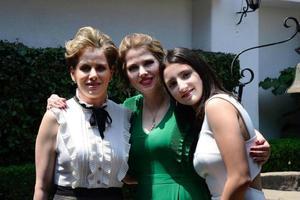 07042019 EN CELEBRACIóN.  Las gemelas Katy y Keta Bonilla Murra y Ketita Gómez Bonilla en CDMX, a donde asistieron a un festejo familiar.