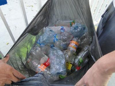 En el total de bolsas se contaron cinco de pet.