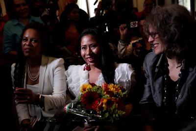 Yalitza Aparicio recibe la llave de la Ciudad de Panamá