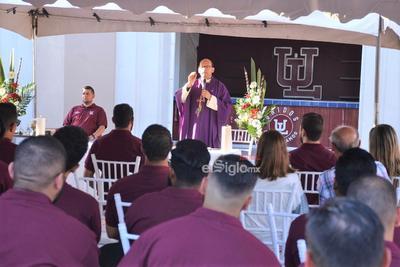La tradicional misa la ofició el padre Javier Silva la tarde del lunes.