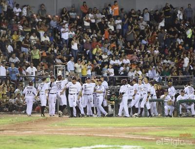 Unión Laguna abre temporada en casa y se canta 'playball' en el Revolución