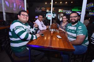 10042019 Carlos, Javier, Adriana y Luis.