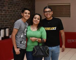 11042019 Patricia con Adrián y Eduardo.