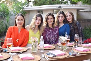 Mary Fer, Zulema, Daniela, Mariangel y Lorena
