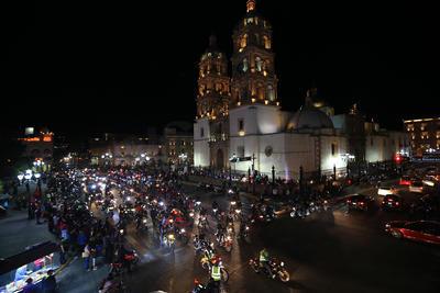 Motociclistas encabezados por el Club Centauro asistieron a la Catedral.