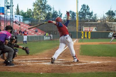 Fue el primer duelo de la serie ante los Toros de Tijuana, en la campaña 2019 de la Liga Mexicana de Beisbol.