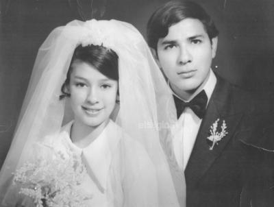 Irma Olivia Sifuentes Vera y Víctor Guillermo González Castro se casaron el 1 de mayo de 1969.