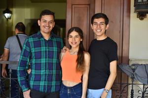 18042019 Carlos, Selene y Luis.