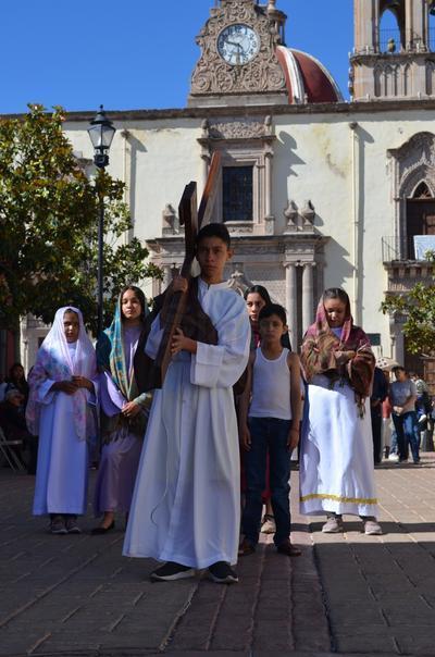 Octavio Saucedo compartió que tuvo una semana de preparación. Inicialmente su papel sería el de Judas y por causas de fuerza mayor el rol cambió al de Jesús.
