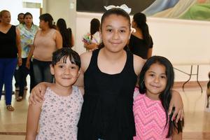 21042019 Lizy, Vania y Dariana.