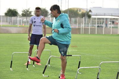 Santos realiza práctica para su duelo de la jornada 16