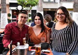 23042019 Arturo, Fernanda y Alejandra.
