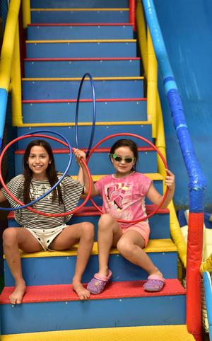 23042019 María y Mariana.