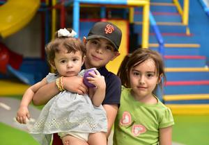 23042019 Aitana, Rolando y Blanca.