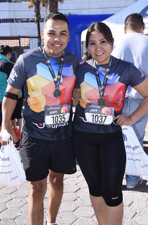 24042019 PARTICIPAN EN CARRERA.  Ignacio y Arely.