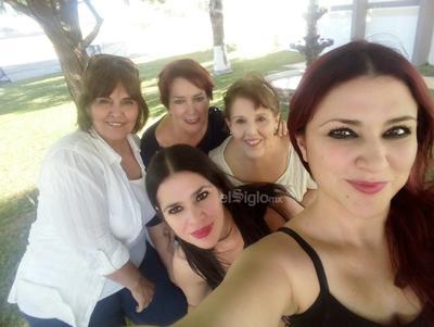 Leticia, Bertha, Teresa, Rosy y Aída.