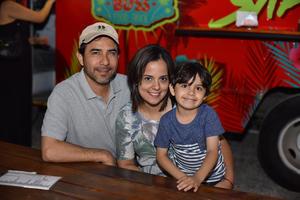 25042019 Daniel, Erika y Dany.