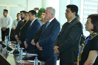 Por su parte, el alcalde Jorge Zermeño, destacó el aporte de 'Kena' Moreno, tanto a nivel nacional como en la propia región lagunera.