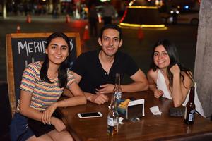 26042019 Lupita, Miguel y Rocío.