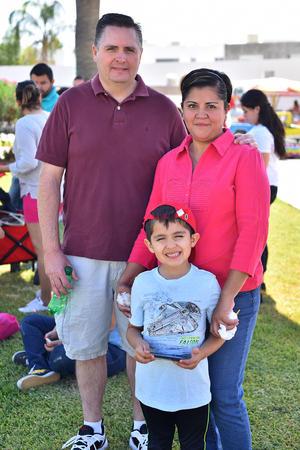 26042019 Jorge, Pamela y Jorge.