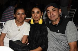 27042019 Alejandro, Ale y Erika.