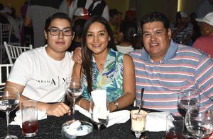 27042019 José Manuel Núñez, Sandra Ávila y Manuel Núñez.
