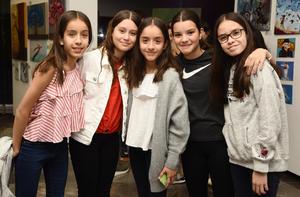 Yanis, Mariana, Georgina, Natalia y Ximena