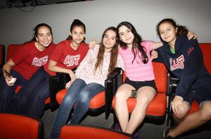 Ángela, Bárbara, Ximena, Marifer y Mariana