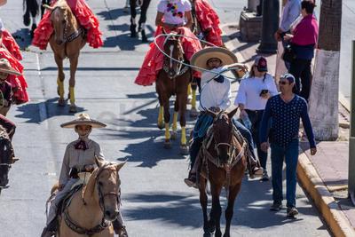 Un total de 11 rutas tuvieron que modificarse para que el desfile pudiera pasar por la avenida 20 de Noviembre.