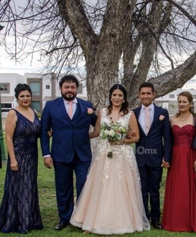 Bonita boda de Montserrath Martínez.