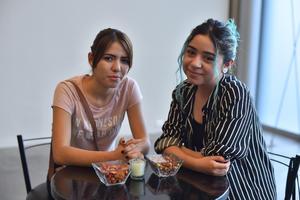 29042019 Melanie y Clara.