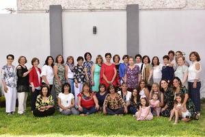 29042019 FELIZ CUMPLEAñOS.  Claudia de Gutiérrez acompañada de sus familiares y amigas en el festejo que se organizó por sus 60 años.