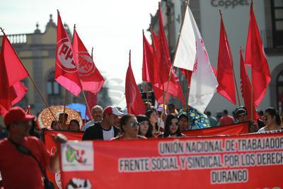 En la marcha de la CTM fueron alrededor de cinco mil los trabajadores que se sumaron.