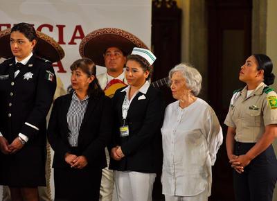 El mariachi entonó melodías como las Mañanitas, Hermoso Cariño y Mujeres Divinas.
