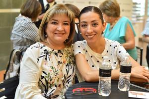 Lucero y Carla