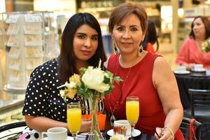 Nancy y Patricia