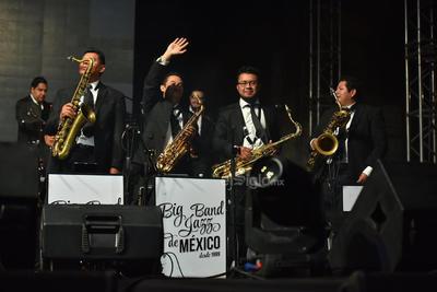 Los músicos capitalinos fueron los primeros en mostrar su talento ante la audiencia. Uno de ellos dijo que la Big Band celebra en este 2019 20 años de carrera.