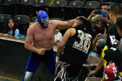 Falcón Jr, Diabólico Jr, El Hijo del Enfermero y Negro Sosa superaron a Scoria, Lobo del Aire, Ciclón Ramírez Jr y Rey patriota.