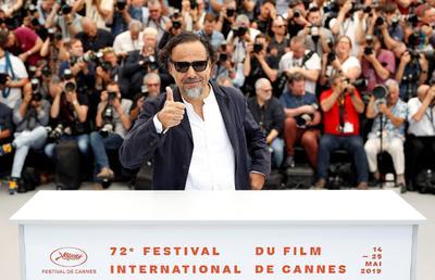 Iñárritu respondió con su arte a las ideas de Trump con su instalación de realidad virtual 'Carne y arena', que presentó en Cannes hace dos años y ahora regresa como presidente del jurado, el primer latinoamericano que ocupa esa posición.