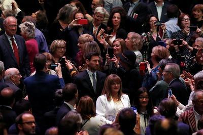 Leo Messi recibe la Cruz de Sant Jordi por su 'humildad'