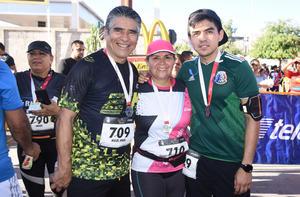 17052019 Miguel, Margarita y Mike.